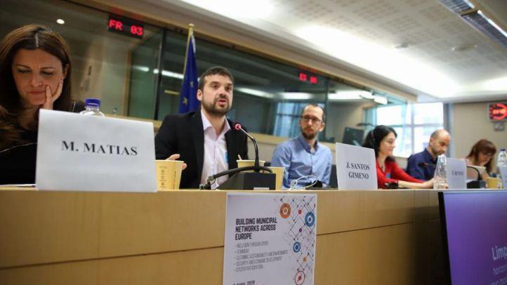 """Jesús Santos denuncia en Bruselas la """"suciedad"""" de Alcorcón"""