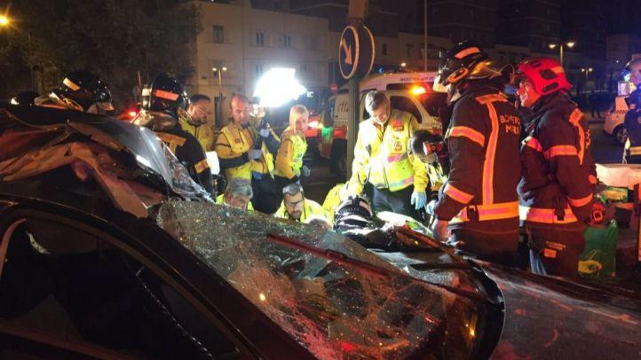 Herida grave tras empotrarse su coche contra un camión