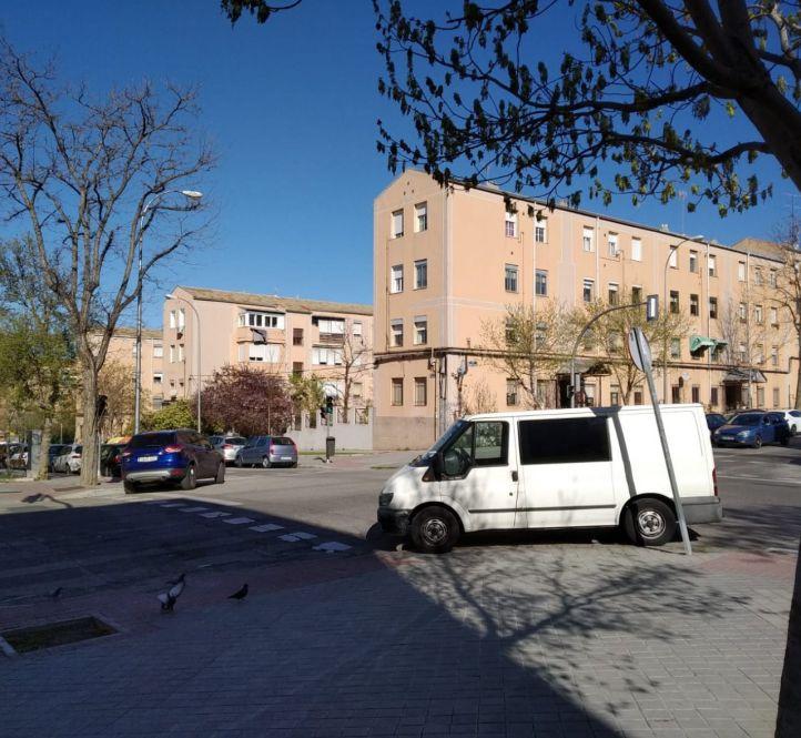 Usera blinda el aparcamiento de sus vecinos: 'SER' gratis para residentes