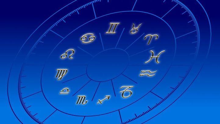 ¿Qué le dicen los astros este viernes?