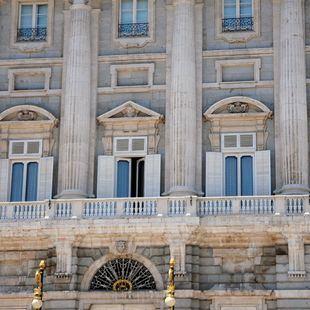 Colocan la primera piedra del Palacio Real de Madrid