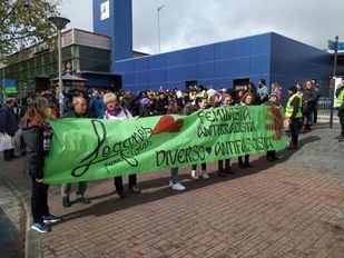 Colectivos antirracistas de Leganés protestan a las puertas de un acto de Vox