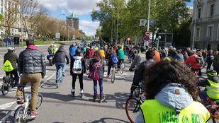 Marcha ciclista por la Castellana
