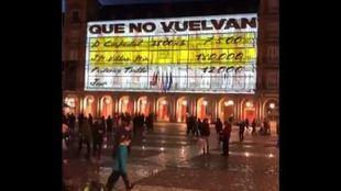 Poryección de los 'papeles de Bárcenas' en la Plaza Mayor