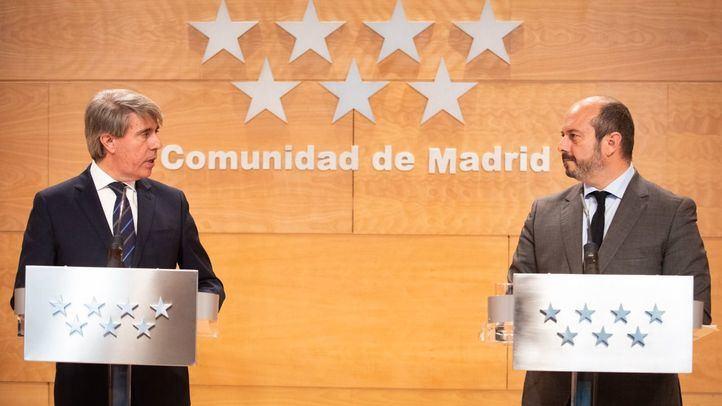 Ángel garrido y Pedro Rollán que le sustituirá en el cargo de presidente de la Comunidad de Madrid.