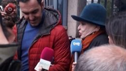 Lucía Bosé a la salida del juicio.