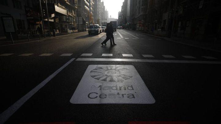 Señalética de Madrid Central en la Plaza de España.