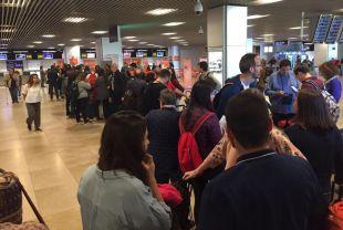 Colapsados los accesos en el control del Aeropuerto