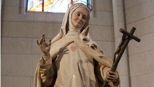 Estatua de la beata Mariana de Jesús, en la catedral de La Almudena.