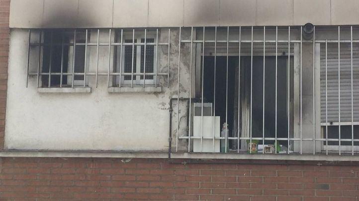 Rescatadas dos adolescentes en un incendio en Moratalaz