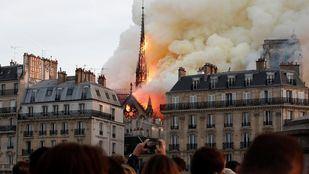 Extinguido el incendio de Notre Dame