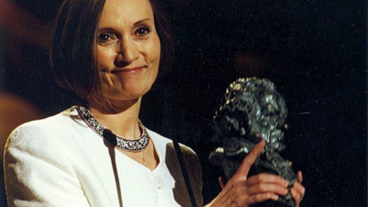 Pilar Miró recogió el Goya a la mejor dirección en 1996, en la 11 gala de los premios del cine español