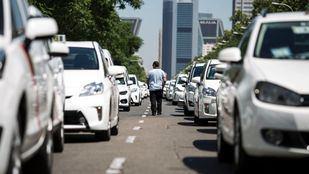 Un grupo de taxistas lucirá publicidad de Podemos durante la campaña electoral