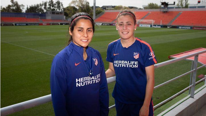 Kenti Robles y Carmen Menayo, jugadoras del Atlético de Madrid Femenino.