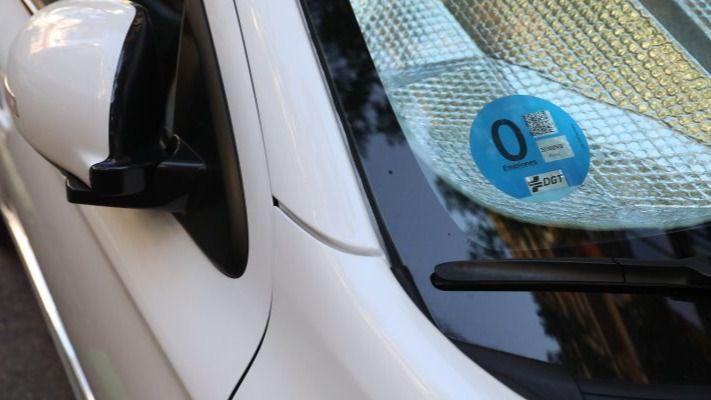 Etiqueta medioambiental para vehículo de cero emisiones.
