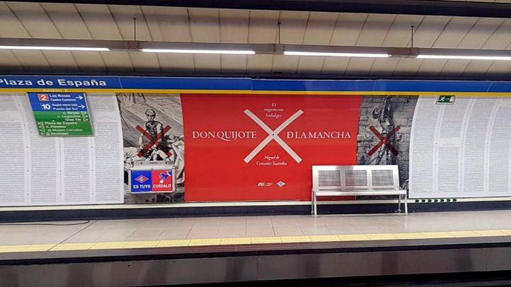 Fragmentos de El Quijote en la parada de Metro de Plaza de España por el Día del Libro.