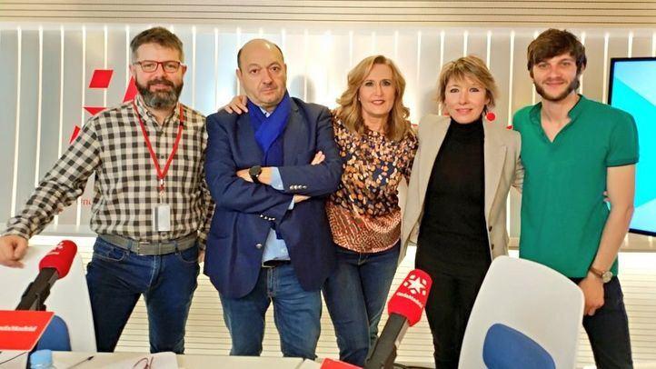 Los periodistas María Cano, Javier García y Pablo López en Com.Permiso