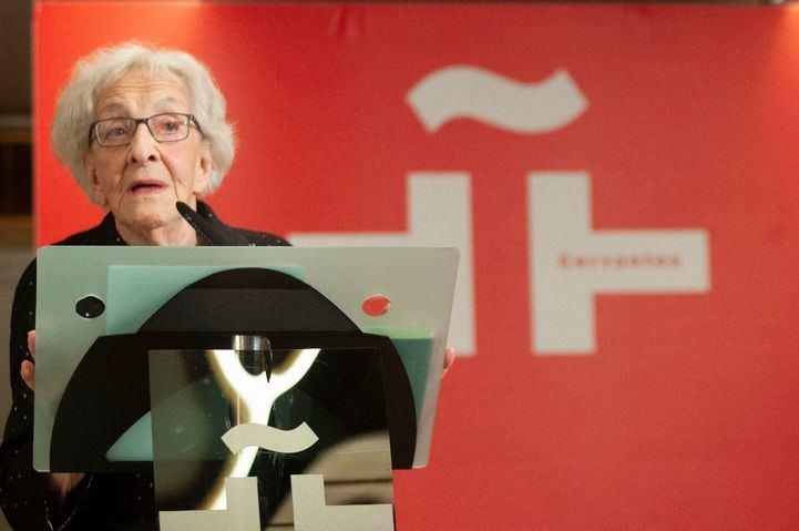 La poeta uruguaya recibirá este martes el galardón más importante de las letras hispánicas