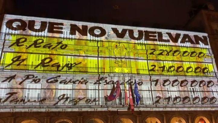 Uno de los frames proyectados por Podemos en la Plaza Mayor.