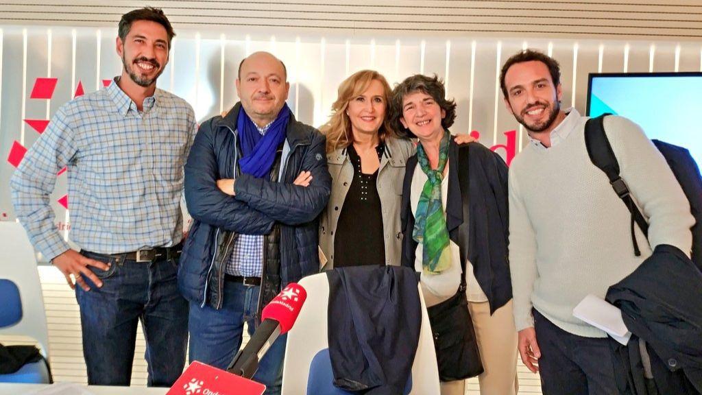 La directora de la Librería Kirikú y la Bruja, Esther Madroñero, el director general de Storytel, Álex Gibelalde, y el director de Ecommerce de La Casa del Libro, Fernando Herranz en Com.Permiso