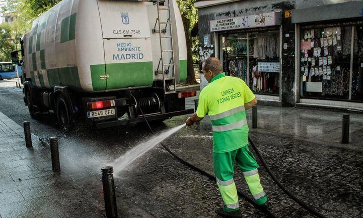 Alcalá, a la cola del ránking de limpieza viaria de la OCU que suspende Madrid
