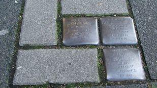 Los Stolpersteine recuerdan a las víctimas del holocausto nazi en Madrid
