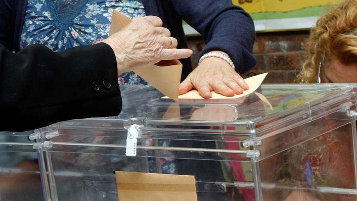 Urna de las elecciones autonómicas y municipales de 2015.