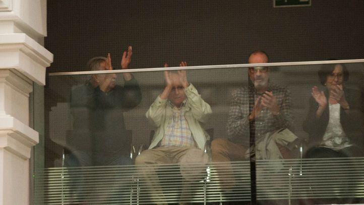 El PP vota en contra de la eutanasia delante de Ángel Hernández