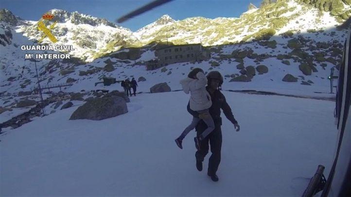 Rescatados ocho afectados por la 'ceguera de las nieves'