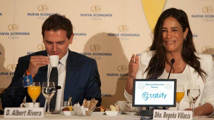 Albert Rivera presenta a Begoña Villacís en un desayuno informativo en The Westin Palace.