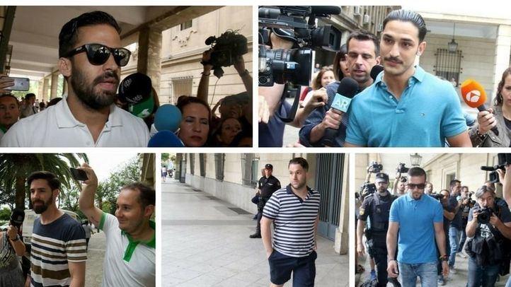 Los integrantes de La Manada, condenados por el delito de abuso sexual con prevalimiento en los Sanfermines de Pamplona de 2016.