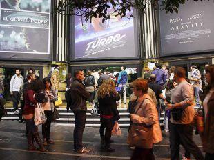 Entrada del cine Capitol durante una de las ediciones de la Fiesta del Cine.