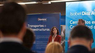 La candidata a la presidencia de la Comunidad de Madrid por el P.P. Isabel Diaz Ayuso presenta ene l vestíbulo del metro de Chamartin sus propuestas en infraestructuras.