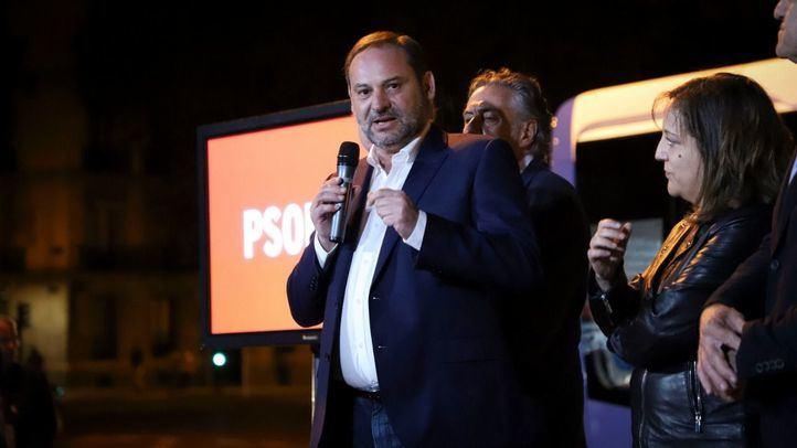 Vox, único partido que no suspende los actos de campaña tras la muerte de Rubalcaba