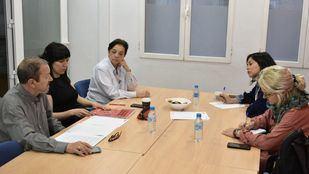 Reunión en la que se firmó el compromiso con las Escuelas Municipales de Música y Danza