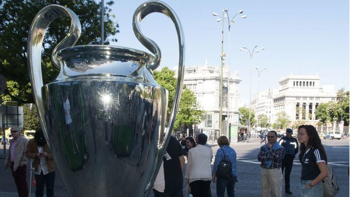 La Copa de la Champions ha llegado este sábado a Cibeles.