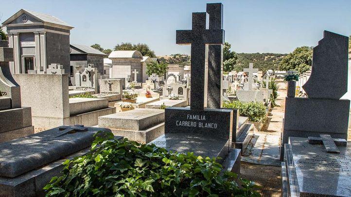 Tumba de Luis Carrero Blanco en el cementerio de Mingorrubio en El Pardo.