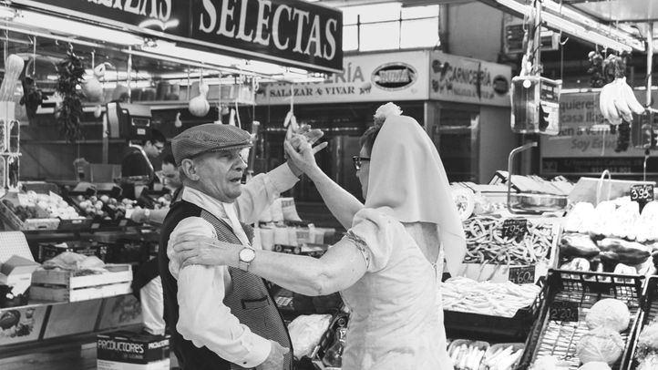 Chulapos bailando en el Mercado de Vallehermoso