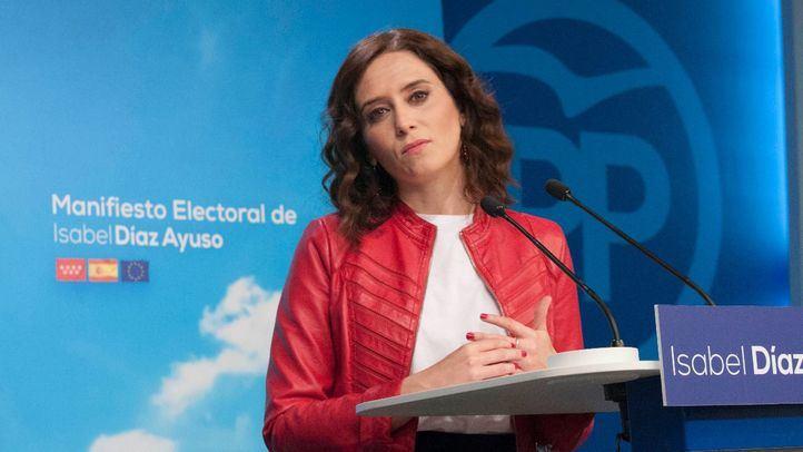 Ayuso promete dos años de tarifa plana de 50 euros a las autónomas tras la baja de maternidad