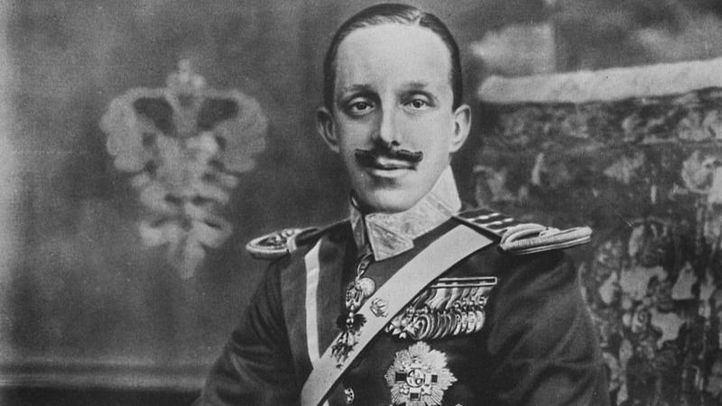 Retrato de Alfonso XIII por Antonio Cánovas del Castillo y Vallejo (Kaulak), en el Museu Nacional d'Art de Catalunya