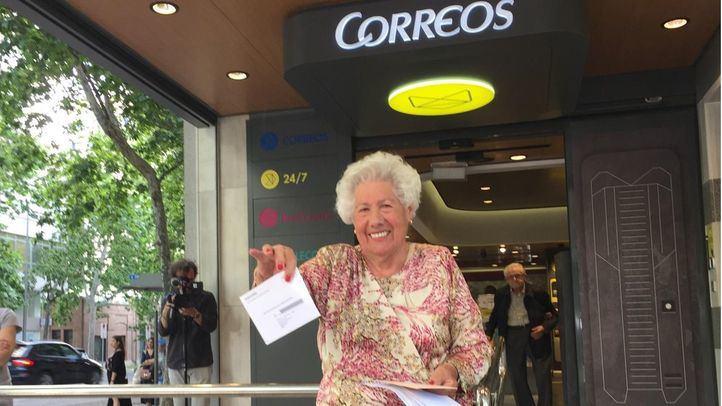 Charito, de 95 años, lidera la candidatura Abuelas por Patones, en la que la miembro más joven tiene 63 años.
