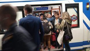 El hacinamiento de los vagones en el Metro es uno de los problemas que casi todos los partidos buscan resolver en sus programas electorales.