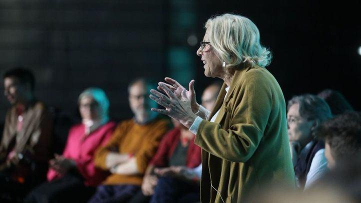 Carmena continúa como líder en las encuestas, seguida del bloque de las derechas