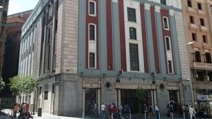 Cine Avenida, en cuyos bajos se hallaba el Pasapoga.