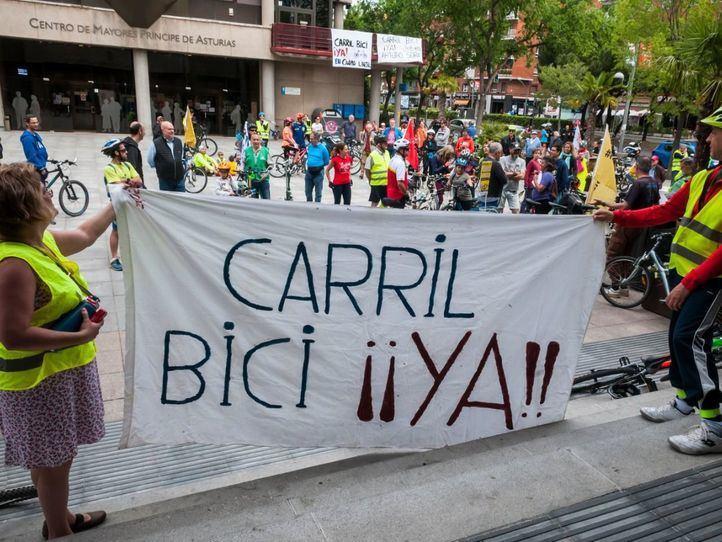 Los vecinos de Ciudad Lineal reclaman de nuevo su carril bici