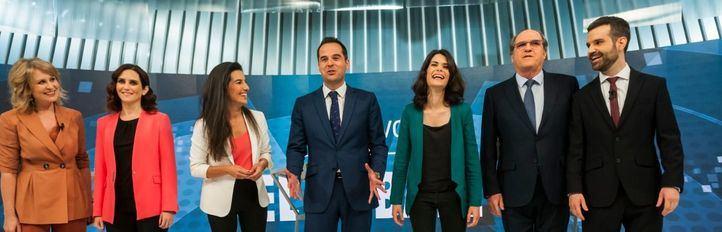 Aguado ha preguntado '¿La mano?' y ninguno de los candidatos ha sabido reaccionar.