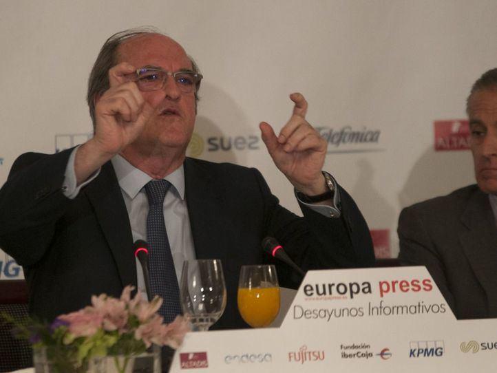 Tres encuestas ofrecen a la izquierda una victoria ajustada en la Comunidad de Madrid