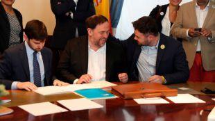 Los presos independentistas firman sus actas de diputados