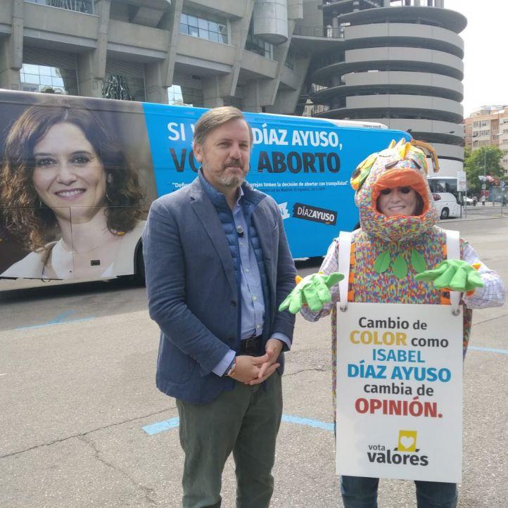 Autobús contra Isabel Díaz Ayuso por el aborto.
