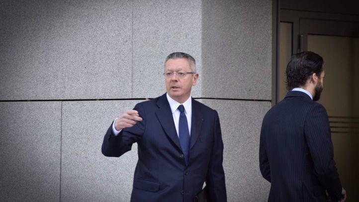 Alberto Ruiz Gallardón, en una imagen de archivo, acude a la Audiencia Nacional para declarar por la compra de Inassa por parte del Canal de Isabel II